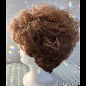 NEW TAGS Very Natural look tonal auburn wig